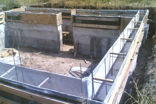 Ленточный фундамент с подвалом для кирпичного дома